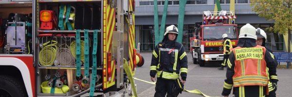 Großübung: Feuer in Schule